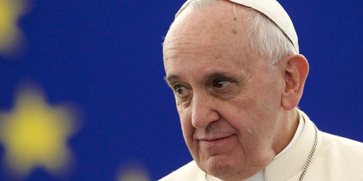 """Papa Francisc îndeamnă la reconstrucția Europei: """"Să ajutăm Europa, bolnavă de oboseală, să se întoarcă la viziunea clarvăzătoare a părinților fondatori"""""""