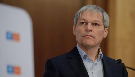 """USR, reactie rapida la scrisoarea lui Ciuca: """"USR a facut deja concesii cand ministrul Voiculescu a fost aruncat pe geam din Guvern. Trebuie o majoritate stabila"""""""